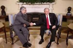 Odvolaný prezident Lugo s bývalou americkou hlavou státu.