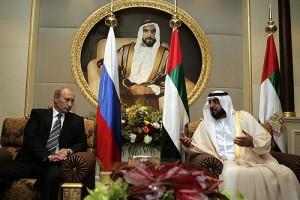Ruský prezident Putin a hlava Spojených arabských emirátů Sheikh Khalifa Bin Zayed Al Nahyan. Zdrojem snímku je ruská prezidentská kancelář www.kremlin.ru.